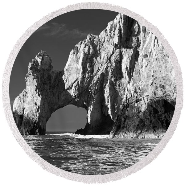 The Arch Cabo San Lucas In Black And White Round Beach Towel