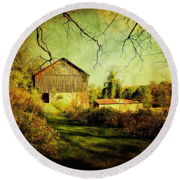 The Old Barn With Texture Round Beach Towel