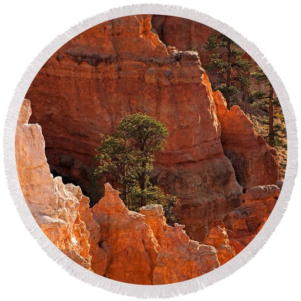The Popesunrise Point Bryce Canyon National Park Round Beach Towel