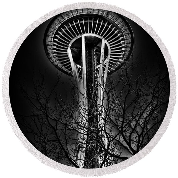 The Seattle Space Needle At Night Round Beach Towel