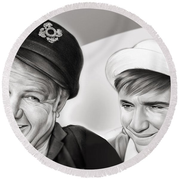 The Skipper And Gilligan Round Beach Towel