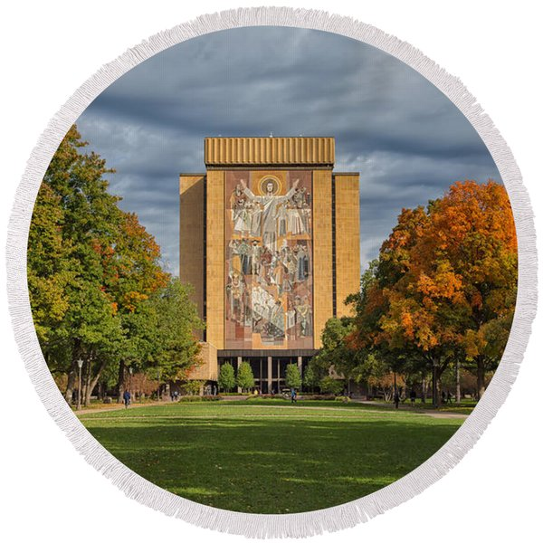Touchdown Jesus Round Beach Towel
