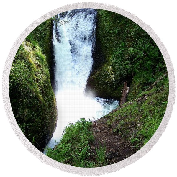Middle Oneonta  Falls Round Beach Towel