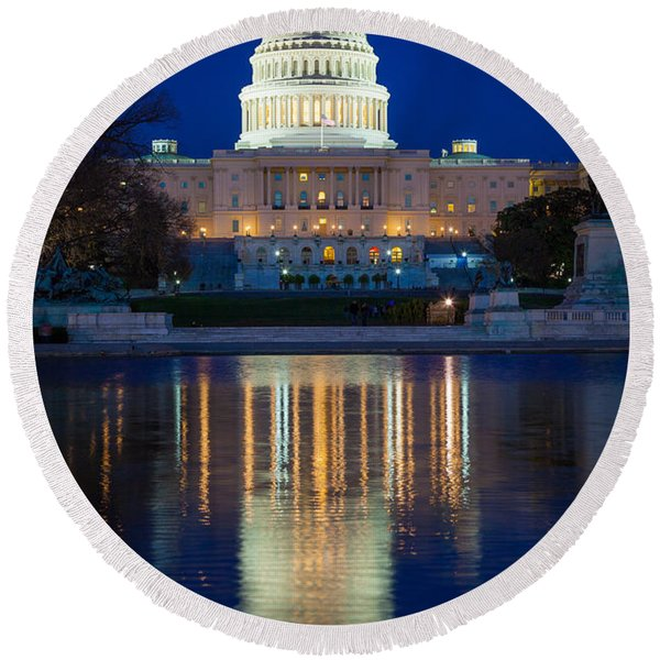 Us Capitol Reflections Round Beach Towel