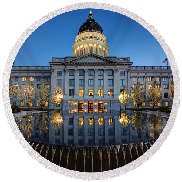 Utah State Capitol In Reflecting Fountain At Dusk Round Beach Towel