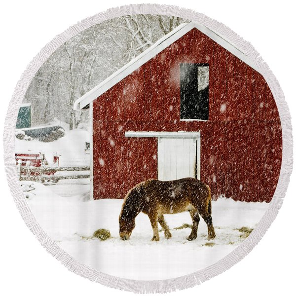 Vermont Christmas Eve Snowstorm Round Beach Towel