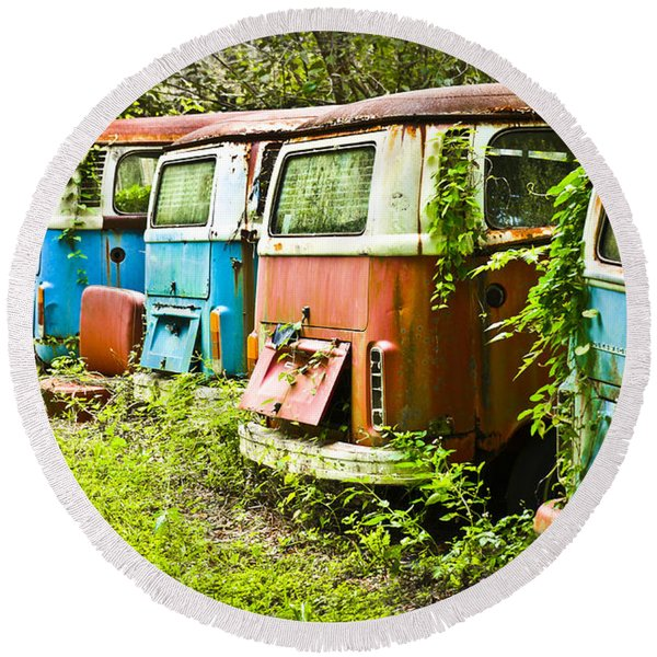 Round Beach Towel featuring the photograph Vw Buses by Carolyn Marshall