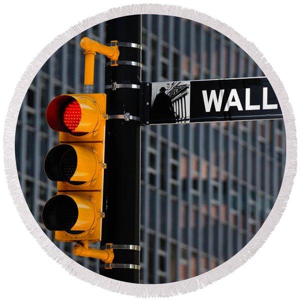 Wall Street Traffic Light New York Round Beach Towel