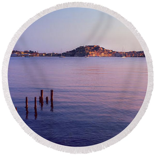 Wooden Posts In Sea, Portoferraio Round Beach Towel