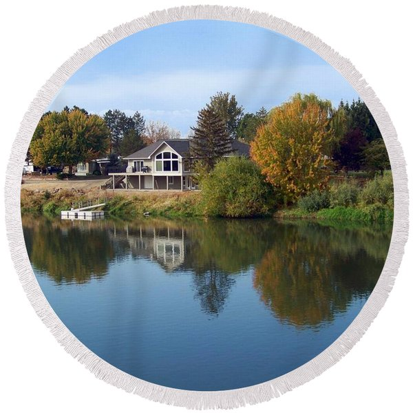 Yakima River Reflection Round Beach Towel