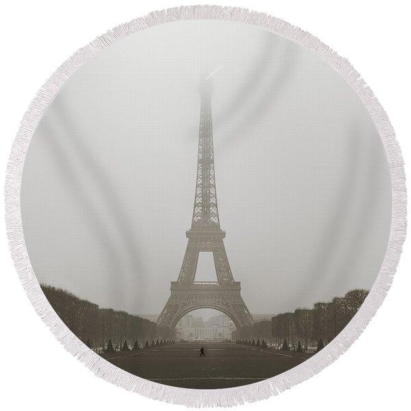 Foggy Morning In Paris Round Beach Towel