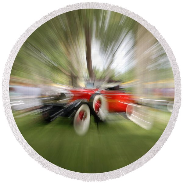 Red Antique Car Round Beach Towel