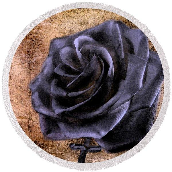 Black Rose Eternal   Round Beach Towel