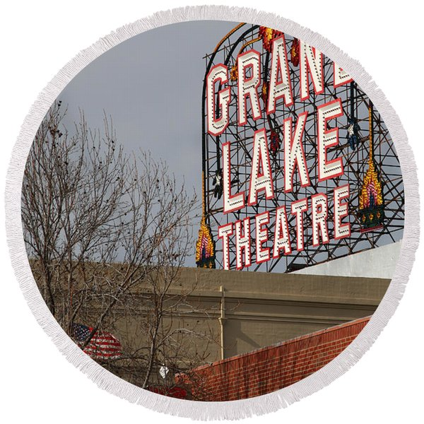 Grand Lake Theatre . Oakland California . 7d13512 Round Beach Towel