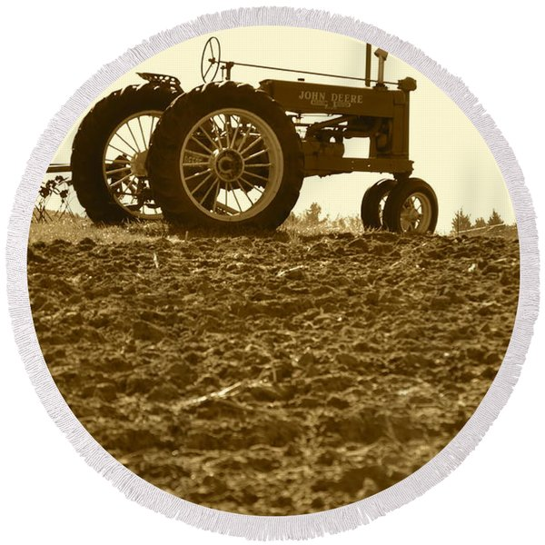 Old Tractor I In Sepia Round Beach Towel