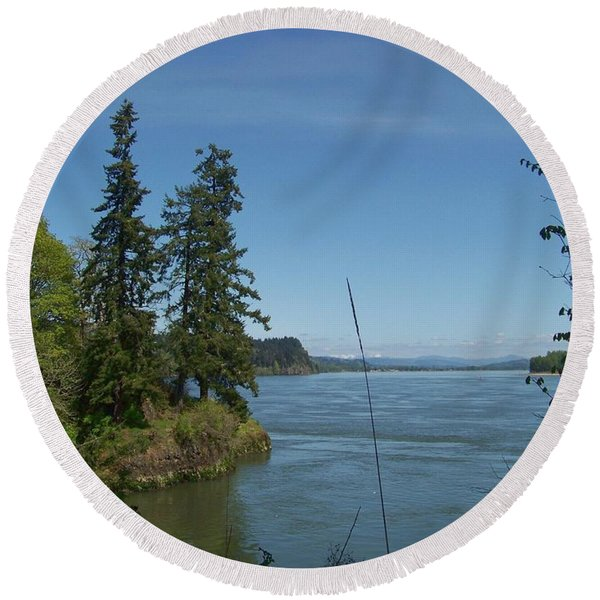 River And Sky Round Beach Towel