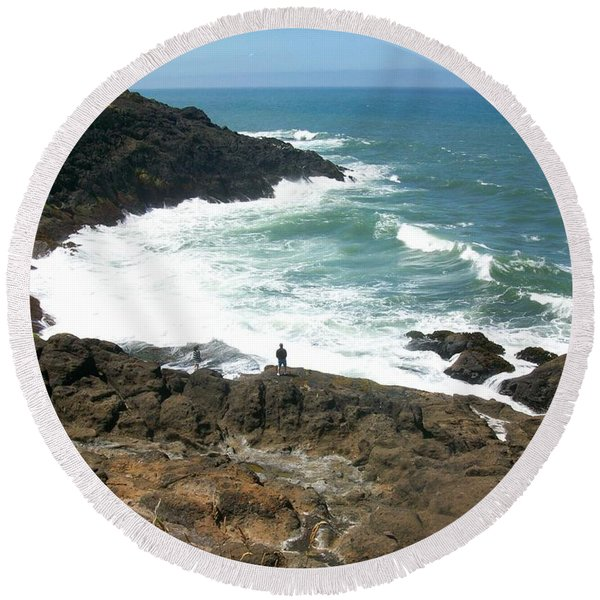 Rocky Ocean Coast Round Beach Towel