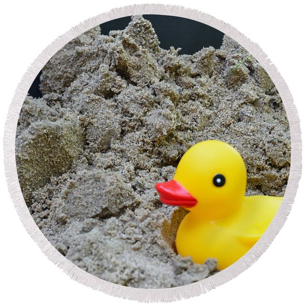 Sand Pile And Ducky Round Beach Towel