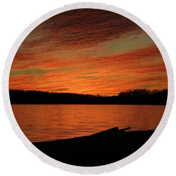 Sunset And Kayak Round Beach Towel