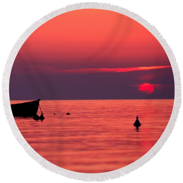Sunset In Elba Island Round Beach Towel