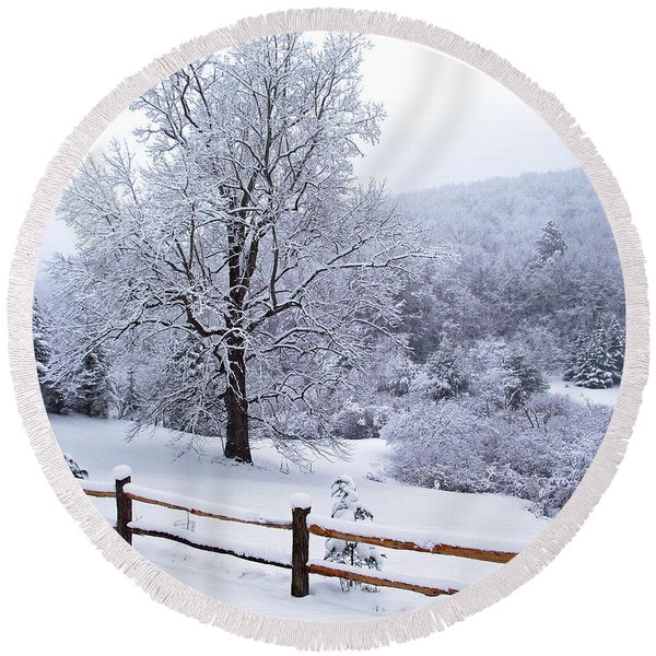 Winter Tree And Fence In The Valley Round Beach Towel