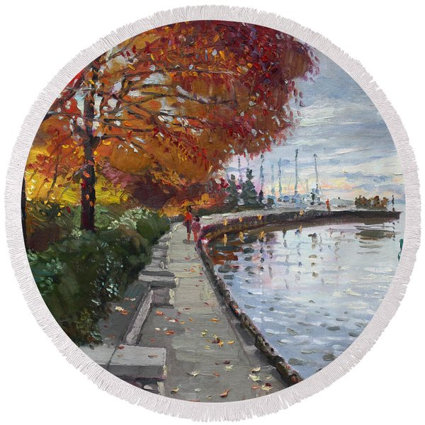 Fall In Port Credit On Round Beach Towel
