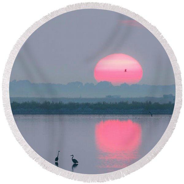 Sunrise At Cheyenne Bottoms -01 Round Beach Towel