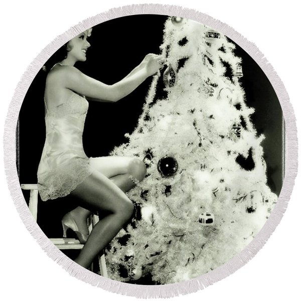 Vintage Hollywood Christmas Pinup Round Beach Towel