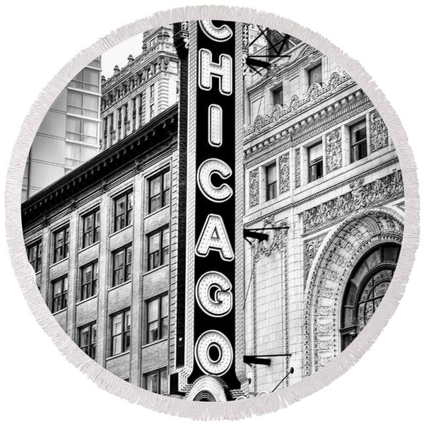 1077 Chicago Theater Black And White Round Beach Towel