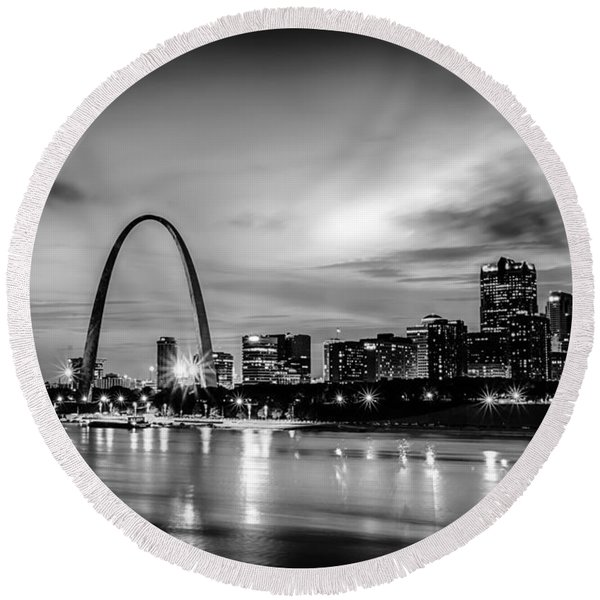 City Of St. Louis Skyline. Image Of St. Louis Downtown With Gate Round Beach Towel