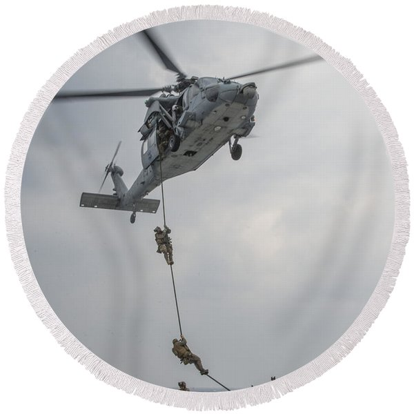 Mh-60s Sea Hawk Helicopter Us Navy Round Beach Towel