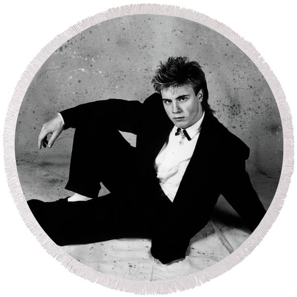 Gary Barlow - 30th Anniversary Photographs Round Beach Towel
