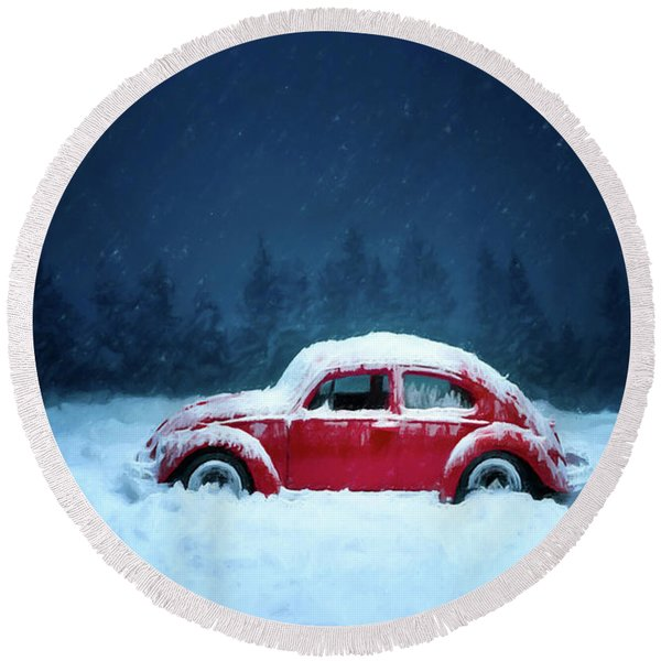 A Bug In The Snow Round Beach Towel