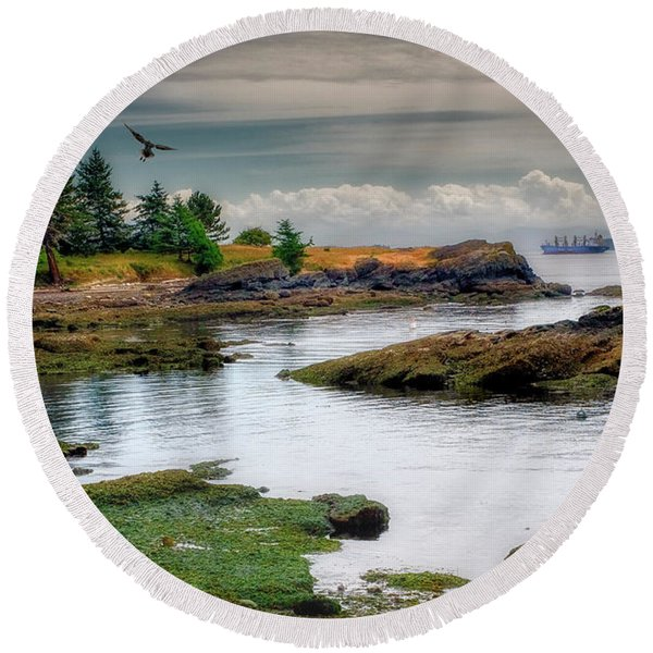 A Peaceful Bay Round Beach Towel