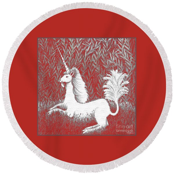 A Unicorn In Moonlight Tapestry Round Beach Towel