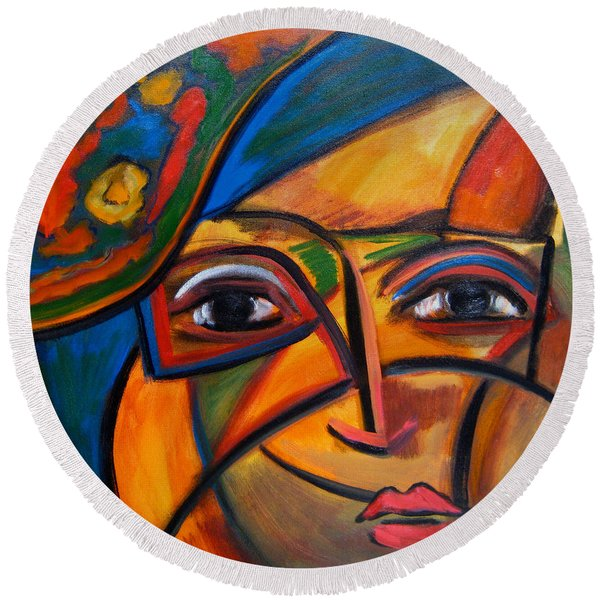 Abstract Woman With Flower Hat Round Beach Towel