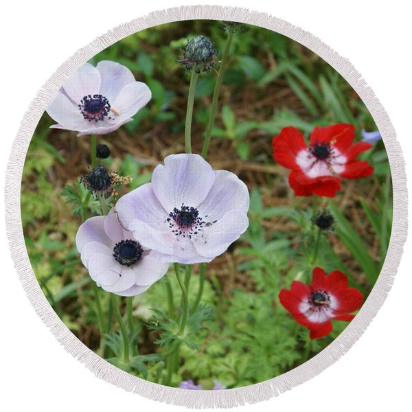 American Flowers Round Beach Towel