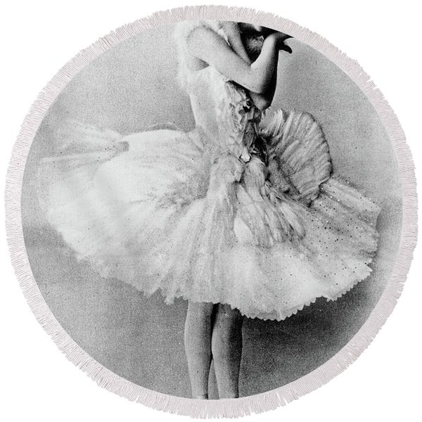 Anna Pavlova In The Role Of The Dying Swan Round Beach Towel