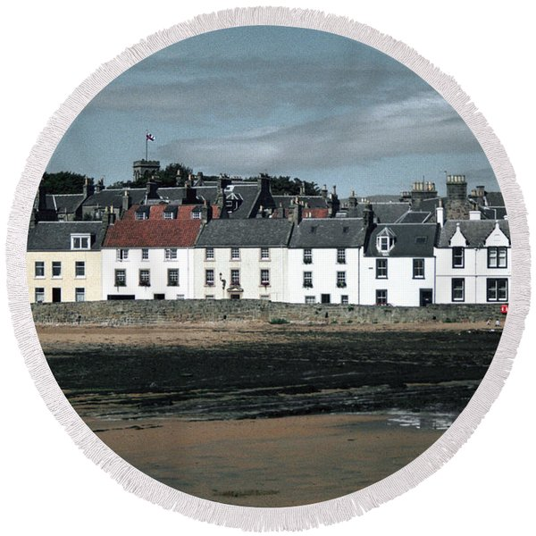 Anstruther Beach Round Beach Towel