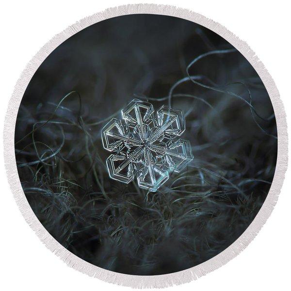 Snowflake Photo - Alcor Round Beach Towel