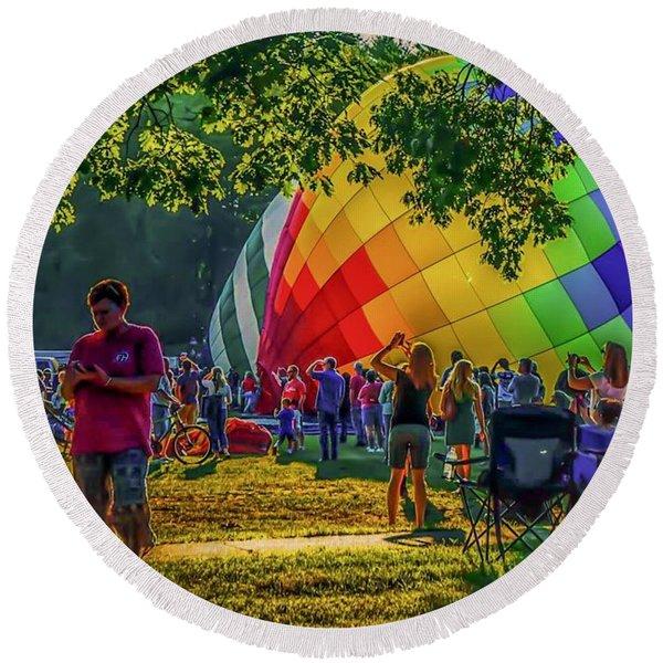 Balloon Fest Spirit Round Beach Towel