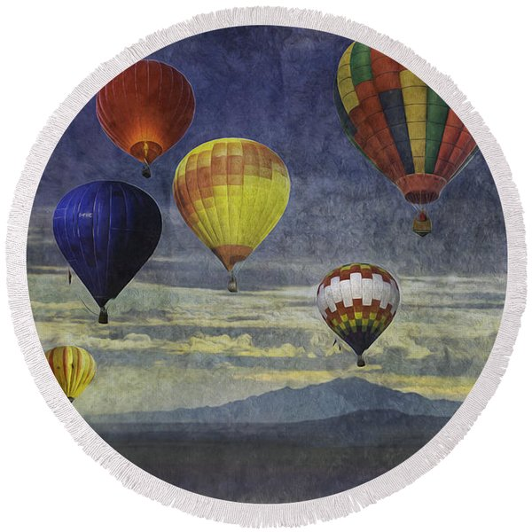 Balloons Over Sister Mountains Round Beach Towel