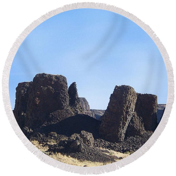 Basalt Columns - The Ice Age Flood Round Beach Towel