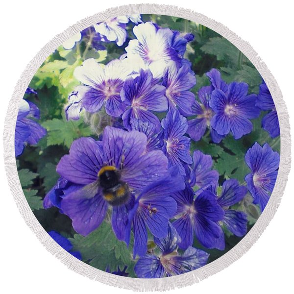 Bees And Flowers Round Beach Towel