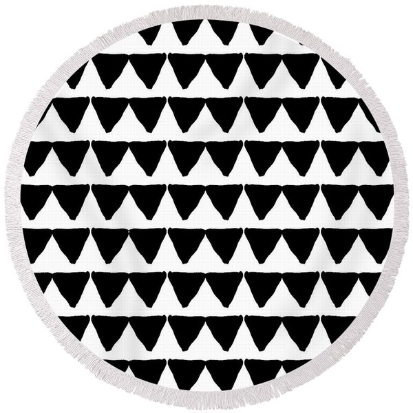 Black And White Triangles- Art By Linda Woods Round Beach Towel