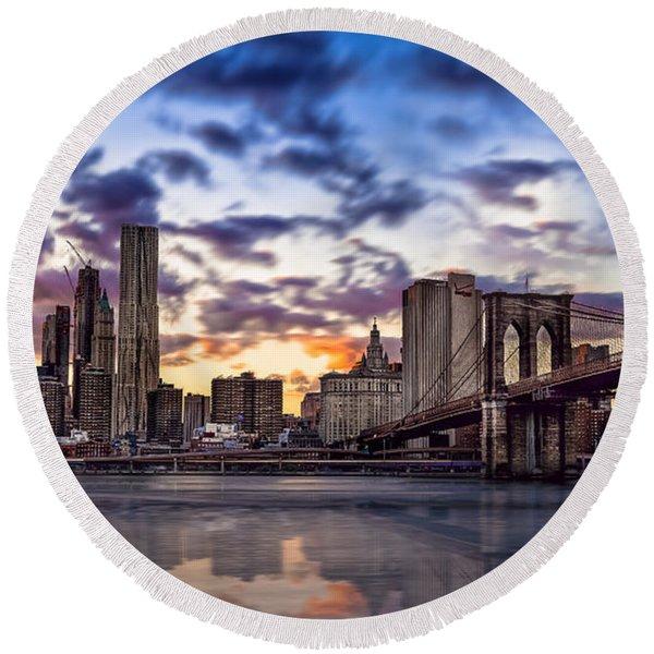 Brooklyn Bridge Manhattan Sunset Round Beach Towel