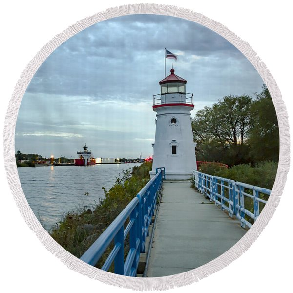 Cheboygan Crib Lighthouse Lake Huron, Lower Peninsula Mi Round Beach Towel
