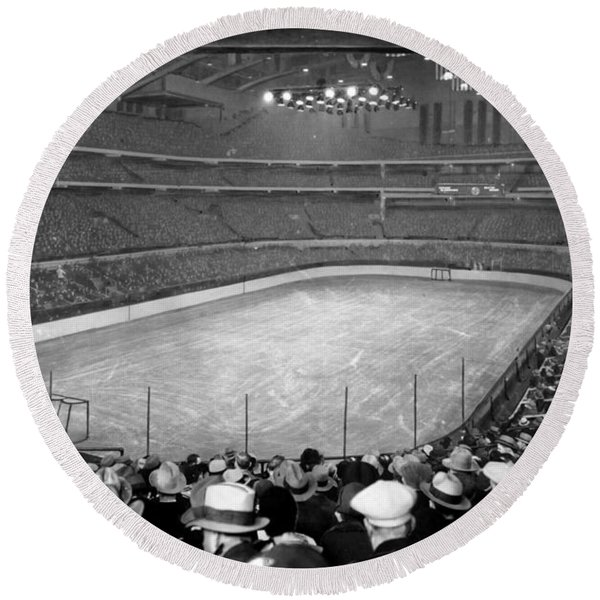 Chicago Stadium Prepared For A Chicago Blackhawks Game Round Beach Towel