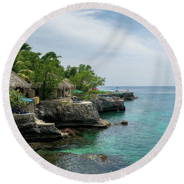 The Cliffs Of Negril Round Beach Towel