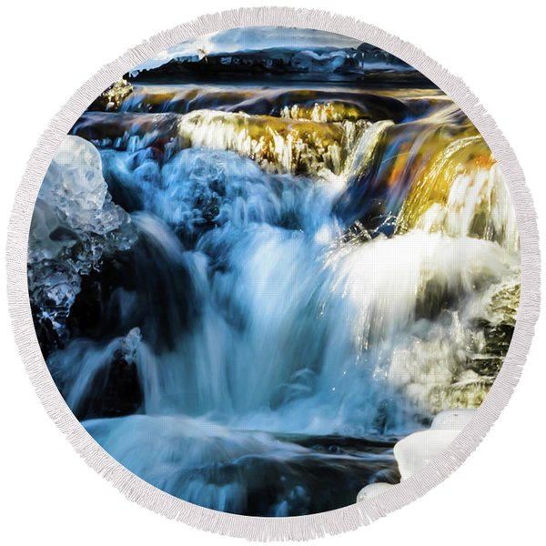 Cold Water Fall Round Beach Towel